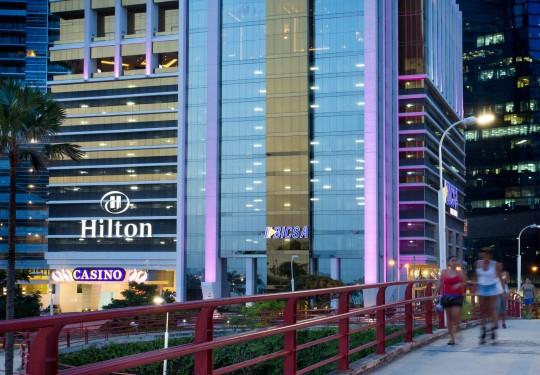 fotografia de arquitectura ciudad de panama  - Exterior Hilton Hotel, Ave. Balboa, PTY