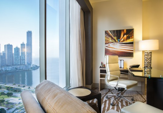 fotografia de arquitectura en panama - Ocean and city view, Hilton hotel, Panama city