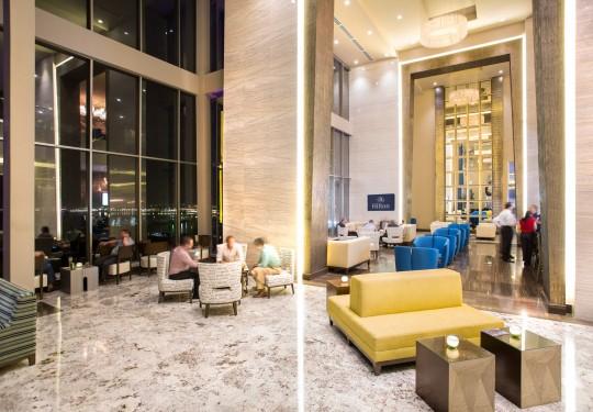 fotógrafo profesional de arquitectura en panamá city - Blue Bar, Hilton Hotel, Panama city